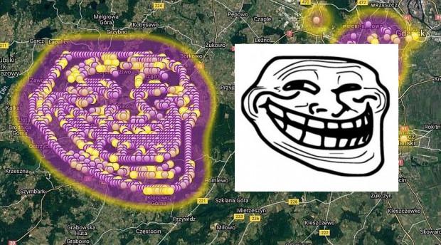 Twarz internetowego trolla na mapie fetoru z Szadółek. Ktoś się napracował, zgłaszając fikcyjny fetor w kilkuset miejscach na Kaszubach.