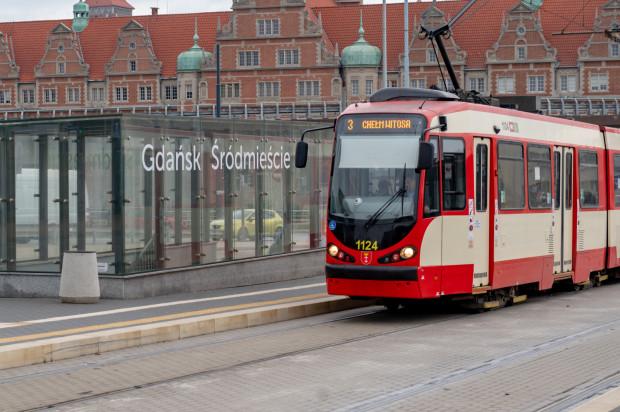 """Przystanek autobusowy """"SKM Śródmieście"""". Teraz zatrzymują się tu tramwaje."""