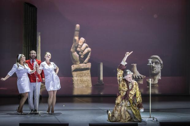 Gabriela Gołaszewska, Aleksander Kunach, Joanna Moskowicz, Artur Janda w spektaklu Opery Bałtyckiej.