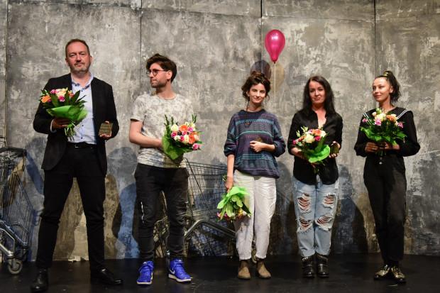 Finaliści GND w komplecie zjawili się w Gdyni. Od lewej: Jarosław Jakubowski, Mateusz Pakuła, Martyna Wawrzyniak, Ishbel Szatrawska i Jolanta Janiczak.