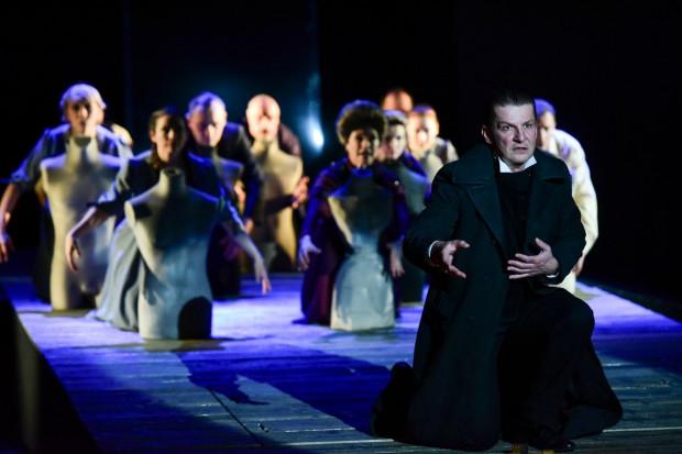 """Teatr Miejski w ramach Festiwalu R@Port zaprezentował jedną ze swoich ostatnich premier. Znakomity """"Prawiek i inne czasy"""" w reżyserii Jacka Bały."""
