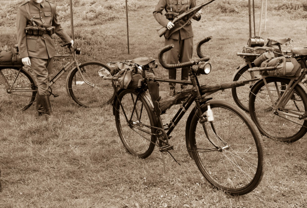 Wykorzystanie roweru w działaniach wojennych ma uzasadnione znaczenie.
