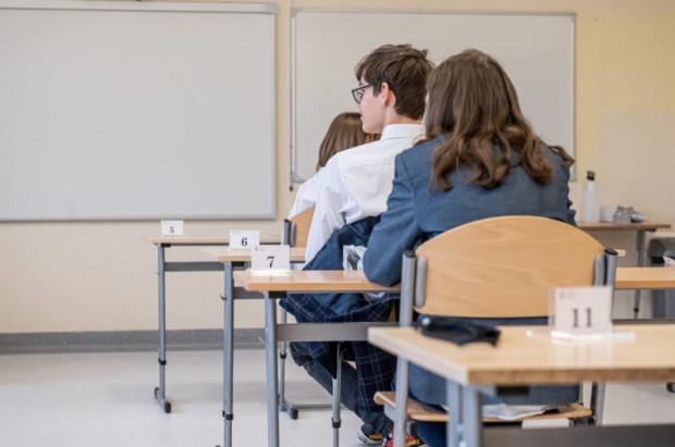 Dzieci w szkołach coraz rzadziej decydują się na uczestnictwo w zajęciach religii.