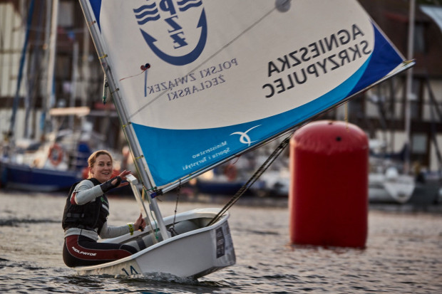 Agnieszka Skrzypulec w Górkach Zachodnik wygrała Wyścig Mistrzów na Optimiście. W nowym sezonie wicemistrzyni olimpijska wraz z Jolantą Ogar zamierza przesiąść się z klasy 470 na 49erFX.