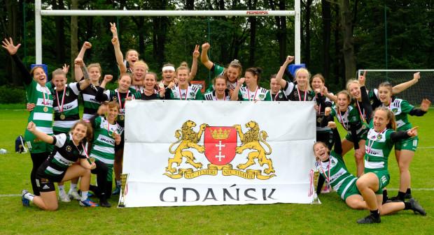 Biało-Zielone Ladies Gdańsk w dwóch klasach rozgrywkowych wygrały w Łodzi 2. turniej o mistrzostwo Polski 2021/22.