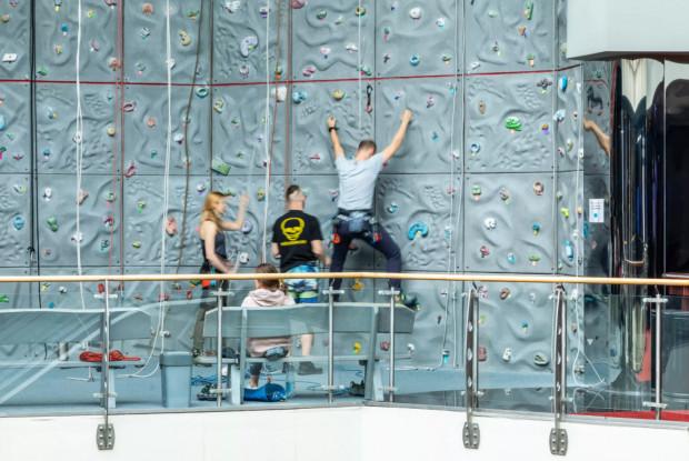 W Trójmieście znajdziemy ścianki wspinaczkowe o różnej wysokości i poziomie zaawansowania.