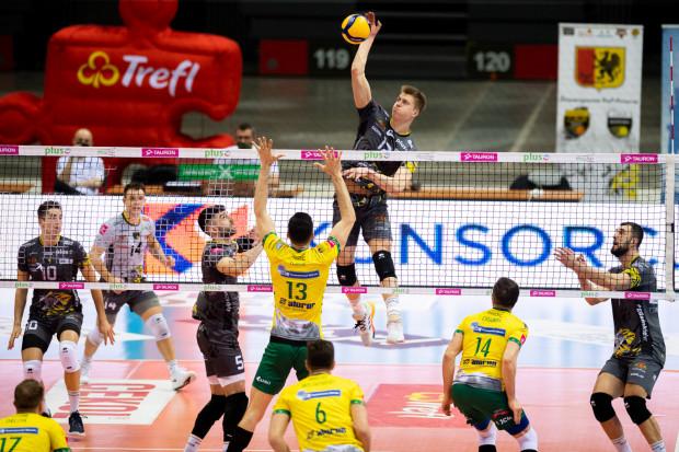 Trefl Gdańsk jest w komplecie. Żółto-czarnych w meczu z Aluron CMC Warta Zawiercie wspomoże Karol Urbanowicz, świeżo upieczony brązowy medalista mistrzostw świata do lat 21.