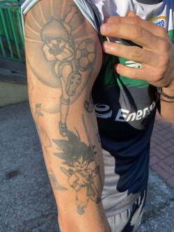 Tatuaże Marco nawiązują do czasów dzieciństwa i ulubionych kreskówek. Piłkarz Lechii podkreśla jednak, że swoją fantazję chce zaprezentować przede wszystkim na boisku.