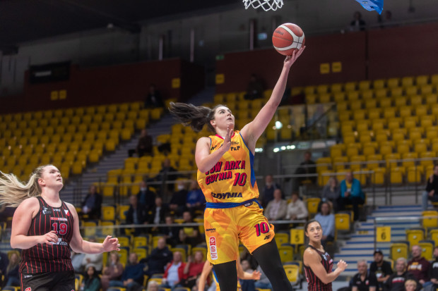Megan Gustafsson popisała się dwucyfrową zdobyczą zarówno w punktach jak i zbiórkach.