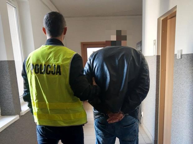 Policjanci z Bydgoszczy zatrzymali 26-latka w Gdańsku.