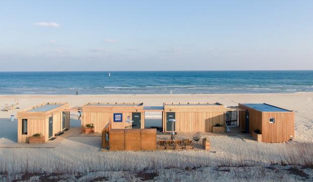 Kompleks budynków z saunami znajduje się na plaży w Sopocie przy Restauracji M15 (wejście na plażę nr 15).