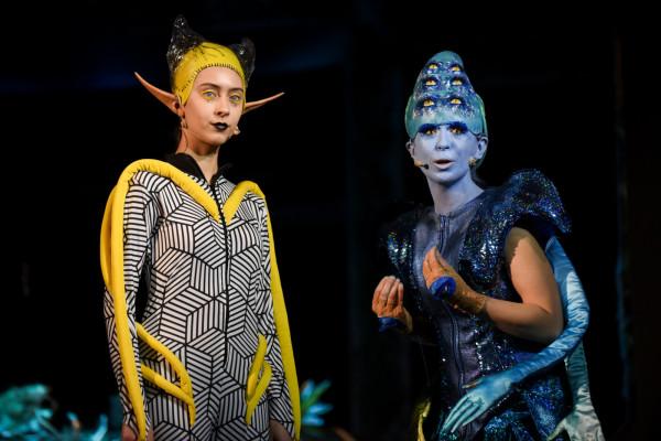 """Teatr Miniatura zaprasza na spektakl """"Kosmici""""."""