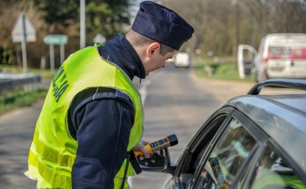 Samochód stracą kierowcy, którzy będą mieć co najmniej 1,5 promila w wydychanym powietrzu, a także nietrzeźwi sprawcy wypadków (powyżej 0,5 promila).