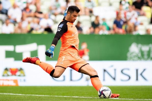 Zlatan Alomerović (na zdjęciu) przegrał rywalizację o miejsce w bramce Lechii na ostatni mecz przed przerwą reprezentacyjną, przeciwko Legii Warszawa. Serb liczy jednak na to, że zagra w sobotę przeciwko Bruk-Bet Termalice.
