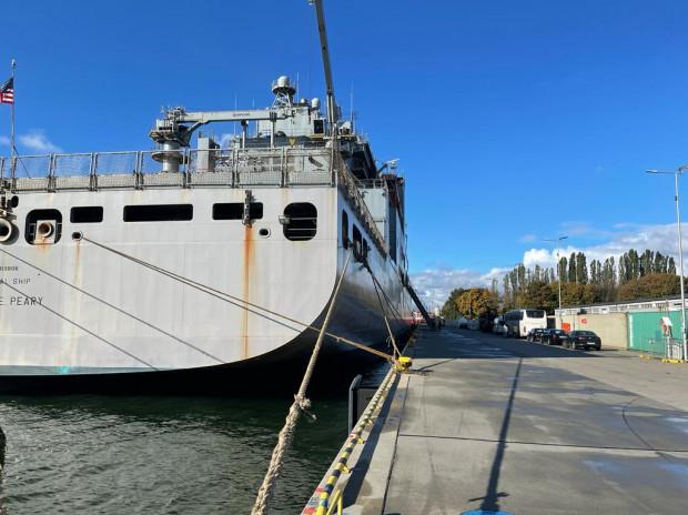 Amerykański okręt USS Robert E. Peary w gdańskim porcie.