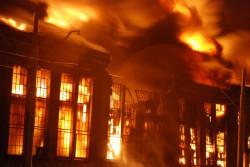 Po ugaszeniu pożaru hala na terenie stoczni będzie się nadawała już tylko do rozbiórki.