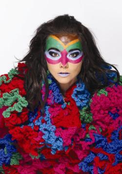 Björk (na zdjęciu) w lipcu wystąpi na festiwalu Open'er, a już teraz polskich interpretacji będzie można posłuchać w klubie Atelier.