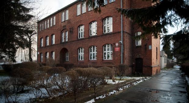 Szkoła Podstawowa nr 29 przy ul. Miałki Szlak uniknęła likwidacji dzięki temu, że znalazła się fundacja, która ją poprowadzi.
