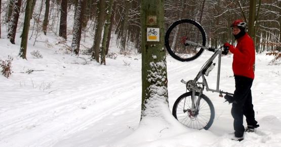Zimowa weryfikacja nowo powstałych rowerowych szlaków łącznikowych między Leśniczówka Gołębiewo, sopockim Brodwinem, a a gdyńskim Bernadowem.