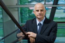 Mirosław Bieliński na stanowisku prezesa Grupy Energa zasiada od czterech lat. Konkurs na stanowisko prezesa ogłoszono w grudniu 2008 roku, po tym jak rada nadzorcza odwołała dotychczasową prezes Barbarę Klimiuk.