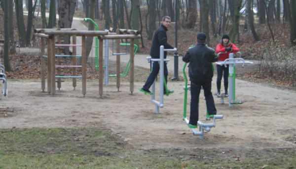 Nowe urządzenia do ćwiczeń dostępne są w Parku im Haffnera.