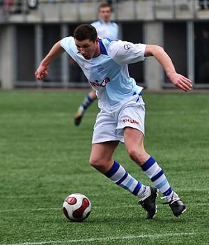 Dariusz Kudyba rozpoczął wiosnę jak jesień. Na początku sezonu strzelił dwa gole w Pucharze Polski w Morągu, a w niedzielę ten wyczyn powtórzył w Rybniku. Oba mecze Bałtyk zakończył niepowodzeniem, gdyż napastnik nie otrzymał należytego wsparcia drużyny.