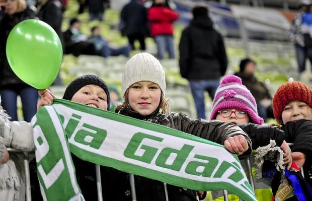 Najmłodsi sympatycy Lechii w grupach zorganizowanych mogą wejść na PGE Arenę za darmo.
