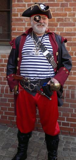 Leszek Włodarczyk był przyjacielem poprzedniego gdańskiego pirata, Andrzeja Sulewskiego.