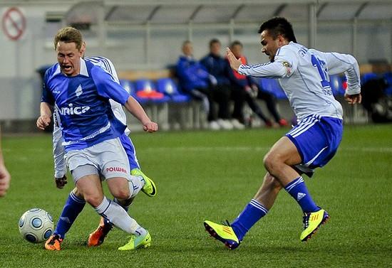 Krzysztof Bułka już na początku spotkania miał dobrą okazję do strzelenia gola. Zamiast tego otrzymał czwartą żółtą kartkę, która wyklucza go z następnego meczu.