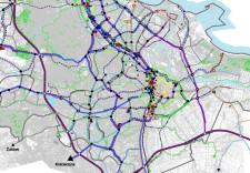 Rysunek studium z planowanym układem komunikacji tramwajowej. Kliknij w obraz lub  tutaj , by pobrać plik PDF (19 MB).