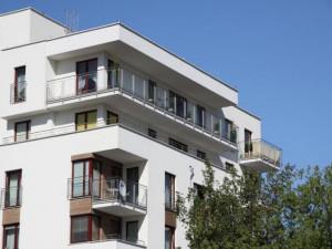 Architektura budynków Osiedla Rozstaje miejscami przywodzi na myśl śródziemnomorskie wille.
