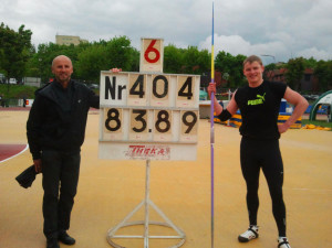 Bartosz Osewski (z prawej) ustanowił młodzieżowy rekord Polski.