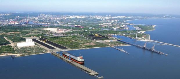 Zarówno pirs rozładunkowy (były Rudoport) jak i załadunkowy (Port Północny ) oferować będą maksymalne zanurzenie dozwolone dla statków wpływających na Morze Bałtyckie (tzw. BALTMAX). Terminale będą mogły przyjmować statki typu cape size o zanurzeniu 15 m.