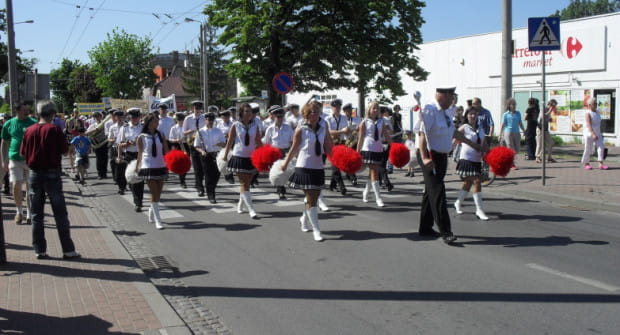 Parada na Chylońskiej to zawsze barwny korowód.