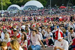 Gdańska strefa jest największa w Trójmieście. Po powiększeniu na mecz Polska-Czechy może pomieścić nawet 40 tys. gości.