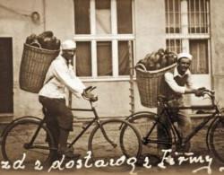 Ul. Legionów 56 w Gdyni, lata 40. Nz. piekarnia firmy Gotowała. Dziś prowadzi ją wnuk ówczesnego właściciela - Piotr.