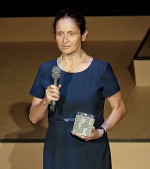 """Magdalena Tulli nagrodzona za """"Włoskie szpilki""""."""