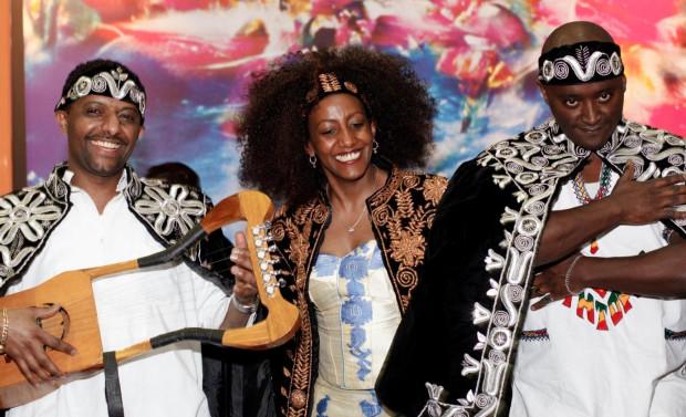 Krar Collectiv z pewnością zagra nie tylko tradycyjne pieśni etiopskie, ale również covery znanych przebojów, m.in. Lily Allen.