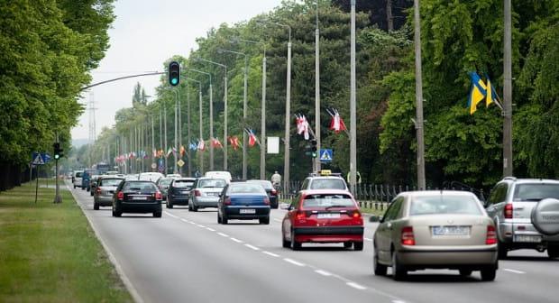 Z miejskich słupów skradziono 1,8 tys. flag narodowych wywieszonych na Euro 2012.