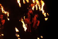 """Bardzo dobrze zaprezentowały się dziewczyny z Mamadoo Fireshow ze swoim """"In Fireland"""", który zgromadził rekordową publiczność na boisku przy ul. Dolna Brama."""
