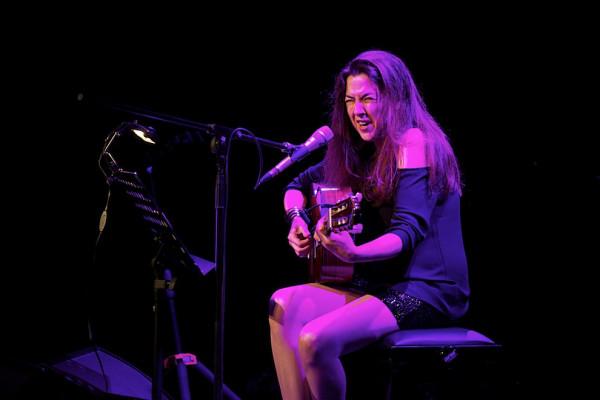 Gabriela Anders - zarówno zabawami muzycznymi, jak i wyglądem przypominała nieco Urszulę Dudziak.