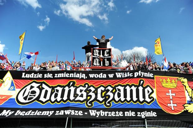 Kibice gdańskich żużlowców domagają się ustąpienia prezesa klubu Macieja Polnego i to bez względu na końcowy wynik osiągnięty przez zespół w tym sezonie.