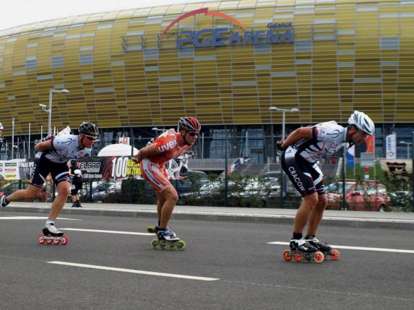 Maraton Sierpniowy to nie tylko wyścig wprawionych w boju rolkarzy, ale także zajęcia fitness i szkółka jazdy na rolkach dla dzieci.
