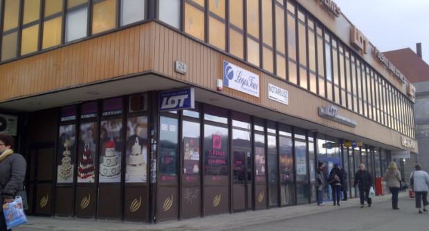 O zburzeniu budynku LOT-u mówi się w Gdańsku już od ponad 10 lat.