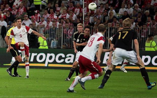 Przed rokiem reprezentacja Polski w towarzyskim meczu zremisowała na PGE Arenie z Niemcami 2:2. Tym razem biało-czerwoni przyjechali do Gdańska tylko na treningi.
