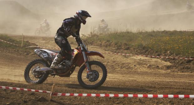 Na torze motocrossowym przy ul. Starogardzkiej będzie można obejrzeć popisy młodszych i starszych zawodników. Treningi w sobotę, rywalizację w niedzielę.