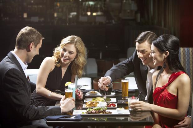 Kluby kolacyjne są popularne w Stanach Zjednoczonych, we Włoszech i w Anglii.