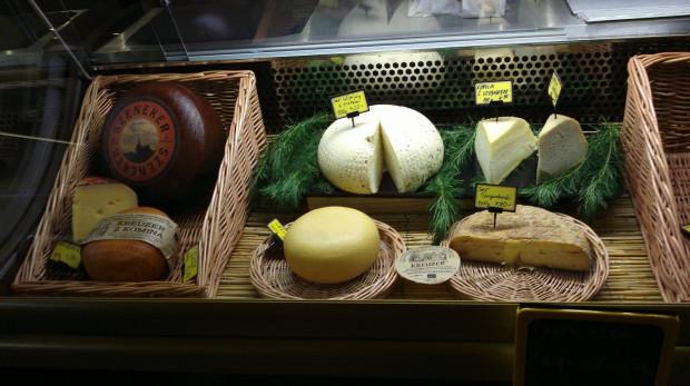 W sklepie Ser Lanselot można wybierać spośród ok. 20 gatunków polskich serów farmerskich