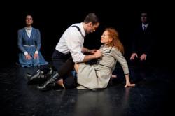 W musicalu o młodych ludziach, nie mogło zabraknąć wspólnego przekraczanie granic i pierwszych doświadczeń erotycznych. Zarówno Krzysztof Wojciechowski jako Melchior, jak i Dorota Białkowska, grająca Wendlę, radzą sobie na scenie bardzo dobrze.