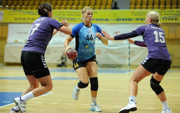 Ana Petrinja w finale turnieju o Ligę Mistrzyń pokazała, że nie tylko może z powodzeniem kierować grą Vistalu Łączpolu, ale również zdobywać bramki. Słowenka w meczu z Viborgiem zaliczyła 5 trafień.